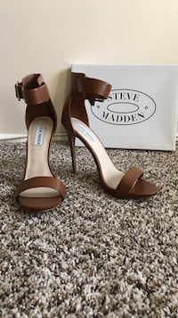 Camel colored open toe heels with ankle strap Fullerton, 92831