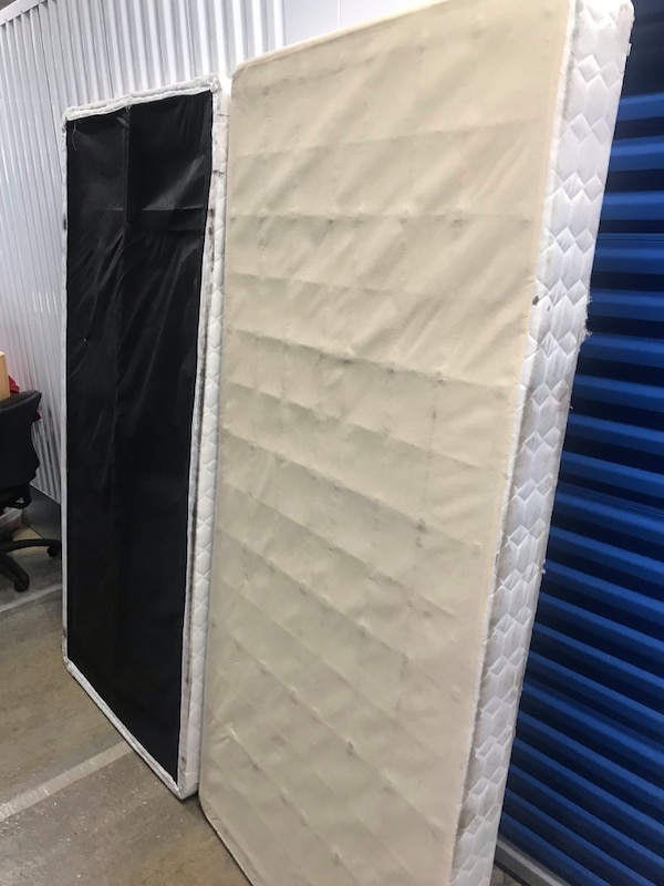 white and gray quilted mattress 18ed679a-4332-4383-b4d6-3dfd825b1088