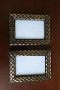 2 picture frames  Toronto, M3A 3A8
