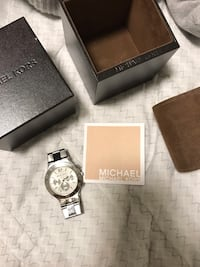 Authentic Michael Kors Womens Watch Burnaby, V3N 4Z9