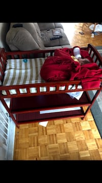 Baby changing table with pad Brampton, L6R 1B8
