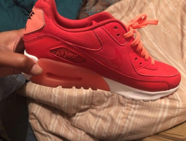 0bec6bf1f845 Used Unpaired red nike air max 90 shoe for sale in Fort Lauderdale - letgo