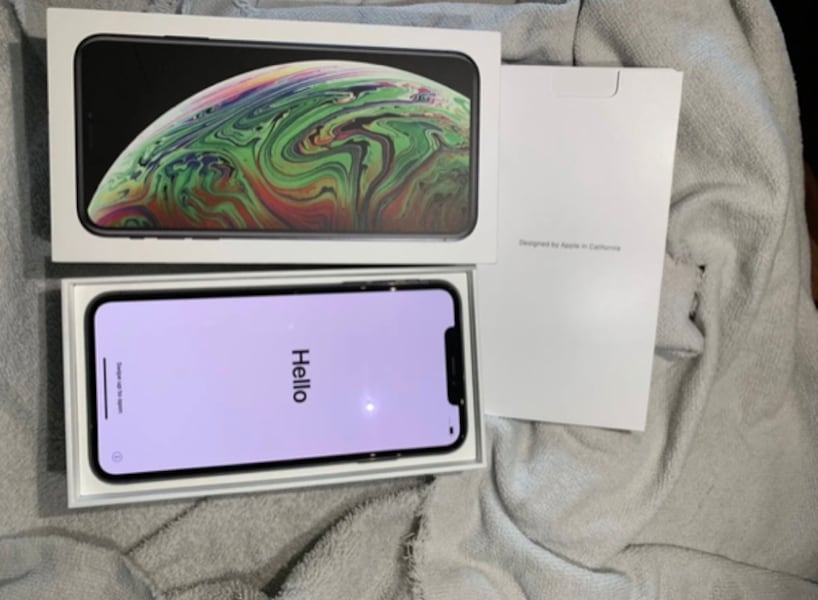 iPhone XS Max Unlocked 0