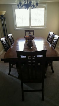 Dining room set 553 km