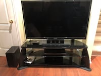 Full entertainment setup (TV, stand, speakers and Blue Ray) Mississauga, L5M