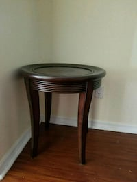round brown wooden side table Tampa, 33647