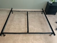 Adjustable Metal Hollywood bed frame- in EUC! Vancouver, 98683