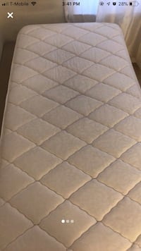 Twin sized bed  Somerset, 08873