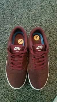 Womens Nike shoes size 7 Melrose, 02176
