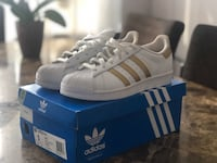 Adidas Superstar white and gold East Hills, 11577