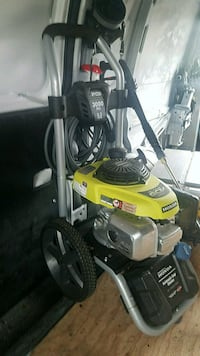 Honda pressure washer $200 cash from new Vancouver, 98683