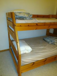 used bunk bed full twin with dresser for sale in grayslake letgo. Black Bedroom Furniture Sets. Home Design Ideas