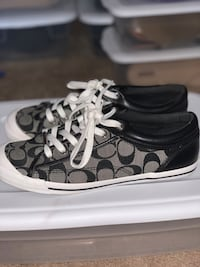 Coach Shoes size 9 worn twice District Heights, 20747