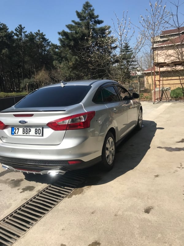 2012 Ford Focus 1.6 TDCI 95PS TREND d765ee00-578b-45a3-a3b6-93359648a181
