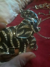 Gorgeous elephant necklace Jacksonville, 72076