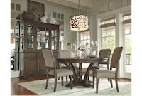 Round 6 chair dining table