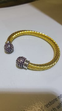 gold-colored cuff bangle Mayfield Heights, 44124