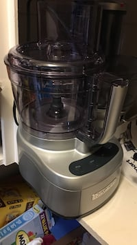 All attachments included, Cuisinart food processor Bakersfield, 93311