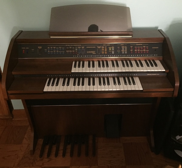 Organ For Sale >> Used Lowrey Pageant Organ For Sale In Des Plaines Letgo