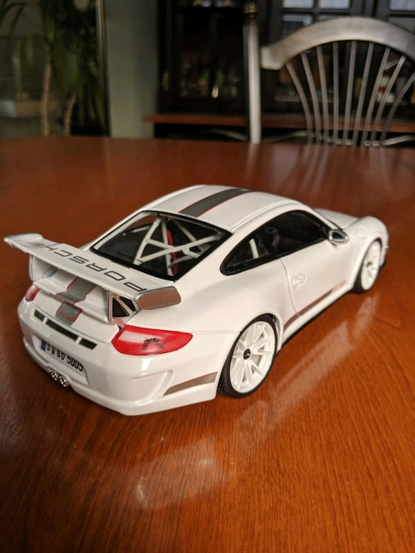*Perfect condition* Openable 1:18 Porsche 911 GT3 RS 4.0 dadc5aef-6bb0-4a6a-a494-a2563920db0c
