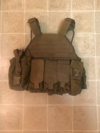 Tac Tailor plate carrier with attachments , will take best offer Arlington, 22214