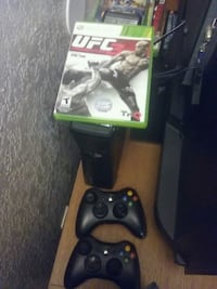 Xbox 360 console with controller and game cases Atwater, 95301