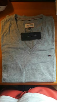 T-shirt Tommy Hilfiger neuf  Franchevelle, 70200