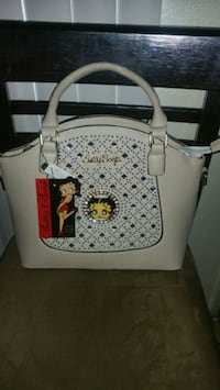 white and black leather tote bag Compton, 90221