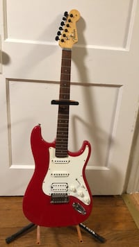red and white stratocaster electric guitar Christiansburg, 24073