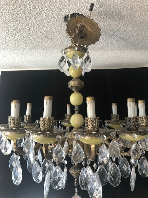 12 lights alabaster chandelier with crystals e95a07ed-5213-4147-873c-07a2ed1bc4c8