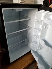 white top-mount refrigerator Albany, 97322