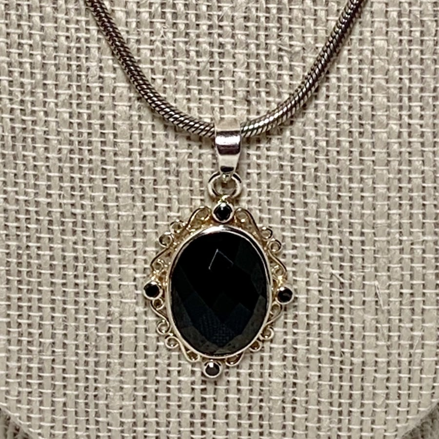 Antique Sterling Silver Black Onyx Pendant with Sterling Rope Chain 85135d14-ebc9-47dd-8de6-5f3e2f4a1f3f