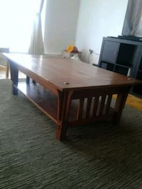 Solid wood coffee table. Toronto, M9C 1G5