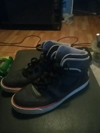 Fair new awesome condition  size 10 men shoes  Ontario, N7M 1S6
