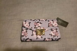 Brand New: GUESS Floral Purse
