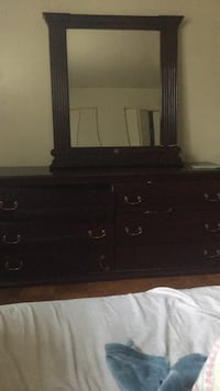 Brown wooden dresser with mirror 52 km