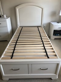 white and black wooden bed frame Frederick, 21704