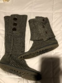 Gray knit ugg boots Conyers