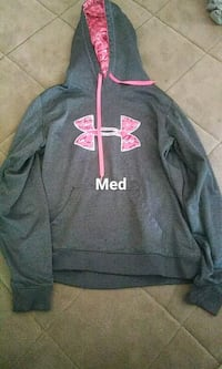 gray and pink Under Armour pullover hoodie Rockford, 61104