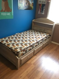 A kids single bed with mattes Cambridge, N3H 5P9