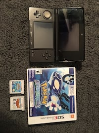 3DS with Rayman and Pokémon Sapphire. Comes with charger as well. Everything is it great condition and works perfectly