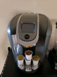 Keurig 2.0 Coffee maker with Coffee Tray