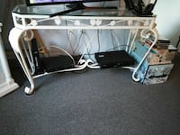 Sofa / entry table New Port Richey, 34652