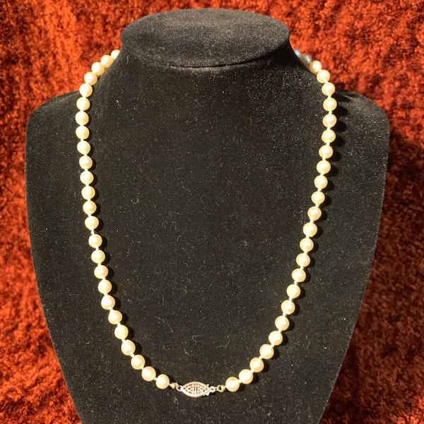 Freshwater Pearl Necklace with Sterling Silver Clasp 844e4721-5b45-42cb-b174-fa244c91d0ea