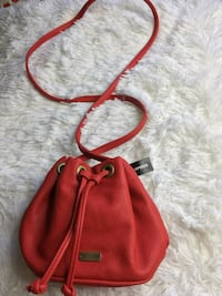 women's red leather shoulder bag Fairfield, 94533