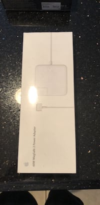 New 60w MagSafe 2 power adapter West Babylon, 11704