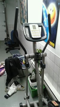 black and gray elliptical trainer Laval, H7K