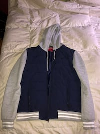 Navy blue and gray zip-up jacket Toronto, M3A 2G6