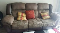 Recliner couch; Brand: Rooms to go. Good condition Malden, 02148