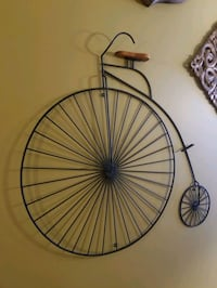 Very unique big wheel bicycle wall decoration